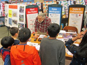 CW Demonstration, B&N Maker Faire (photo by M. Pritchard, NM9J)